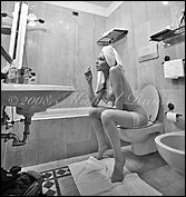 deviant1part2celine_in_the_bathroom_by_michaelrumiz.jpg