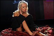 hannah_mcintosh_smoking_while_painting_her_toes-1.jpg